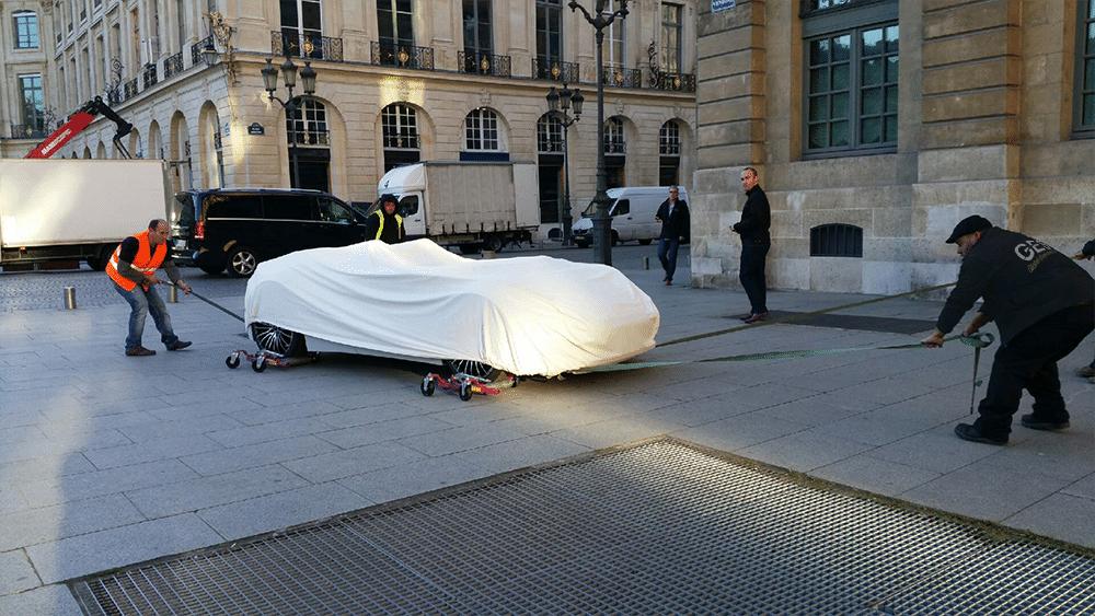 Présentation privée showcar place Vendôme Paris